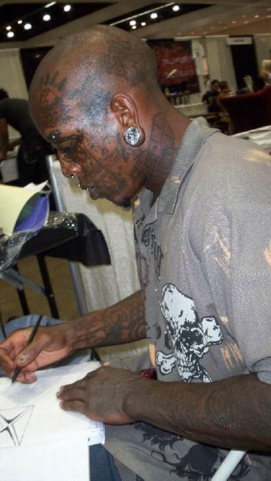 Tattoo and Piercing Freak Marcus Boykin (23 pics)