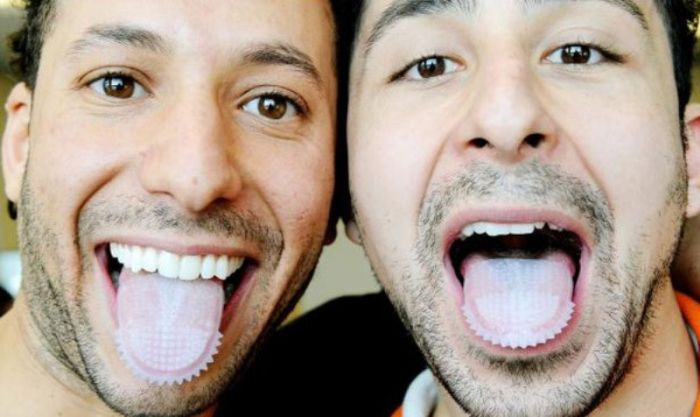 The Tongue-Mounted Toothbrush (4 pics)