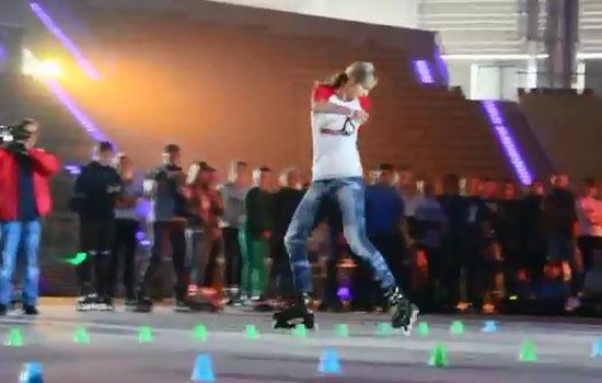 Amazing Roller Girl Skills