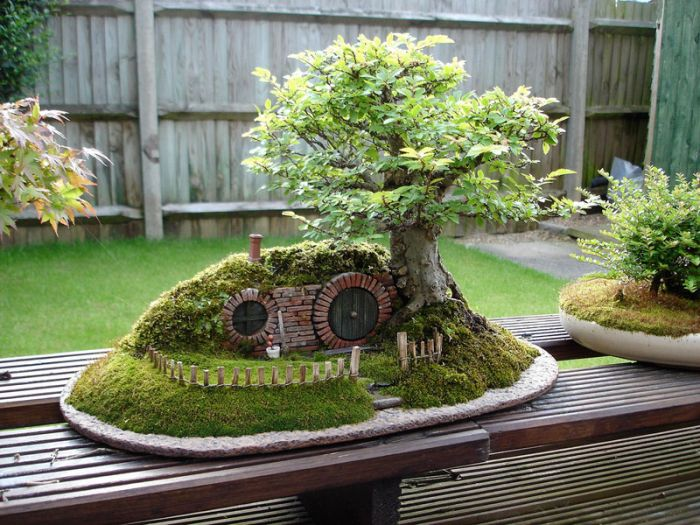 A Bonsai Baggins Hobbit Home (18 pics)