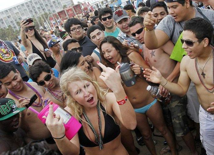 Spring Break on South Padre Island, Texas (29 pics)