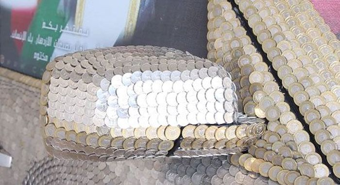Car Covered with Coins (31 pics)