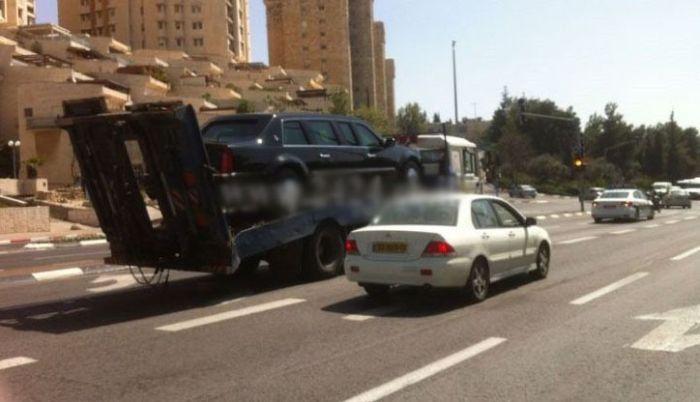 Barack Obama's Limousine Breaks Down in Israel (5 pics)