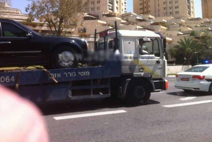 Barack Obama's Limousine Breaks Down in Israel (5 pics)