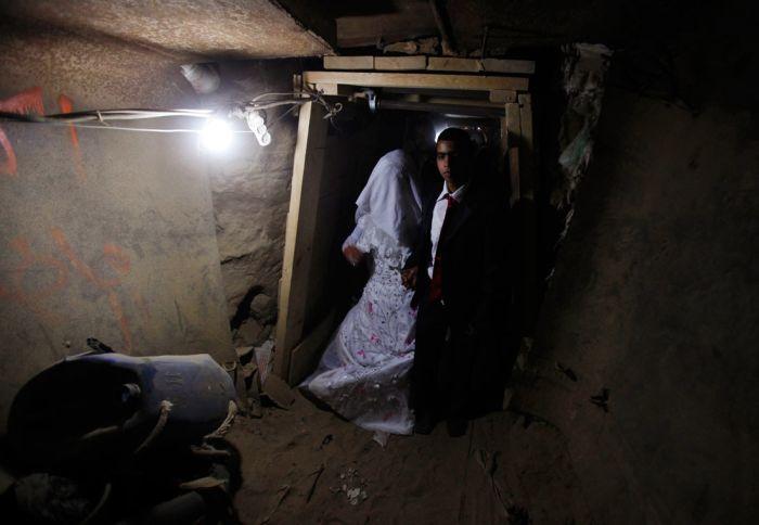 Smuggled Bride (5 pics)