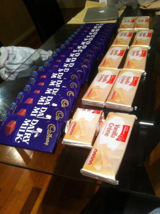 Giant Homemade Kit Kat (9 pics)