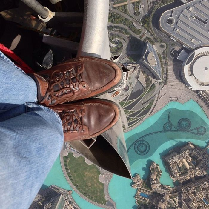 Rooftopping on the Top of Burj Khalifa (3 pics)