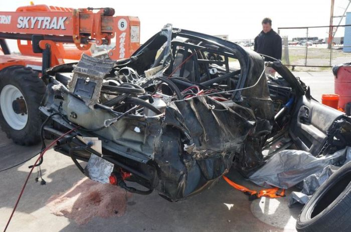 Car after a Terrible Crash (33 pics + video)