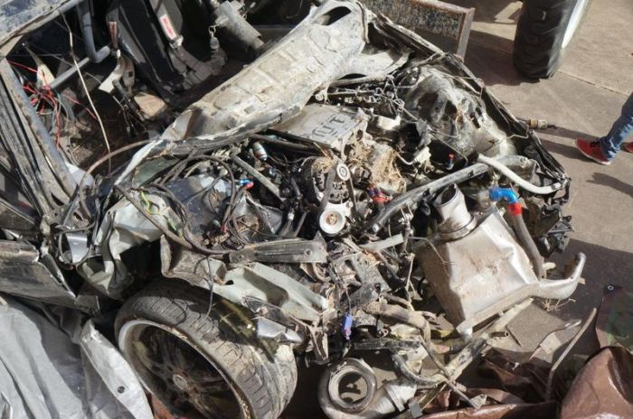 Car after a Terrible Crash (33 pics + video)