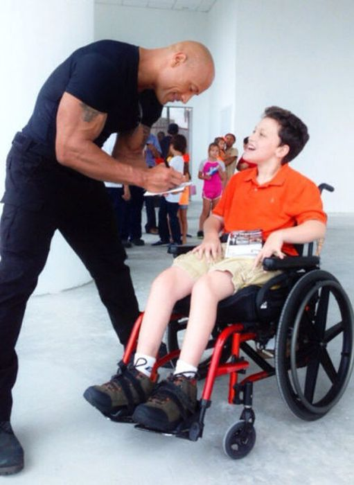 The Rock on Twitter (34 pics)