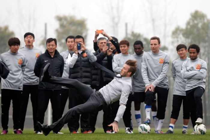 David Beckham Takes A Tumble (6 pics)