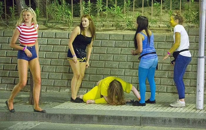 The Aftermath of Saloufest (60 pics)