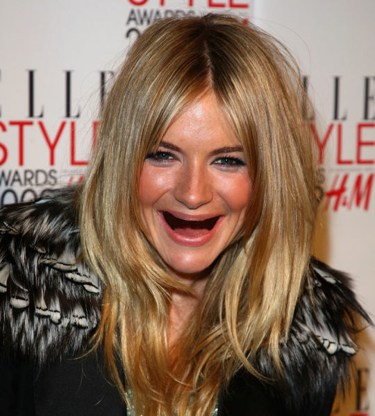 ¿ Si le sacamos los dientes a las famosas ? Actresses_without_teeth_just_too_freaky_for_words_26