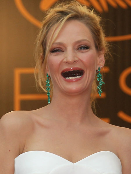 ¿ Si le sacamos los dientes a las famosas ? Actresses_without_teeth_just_too_freaky_for_words_38