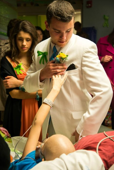 Katelyn's Hospital Prom (39 pics)