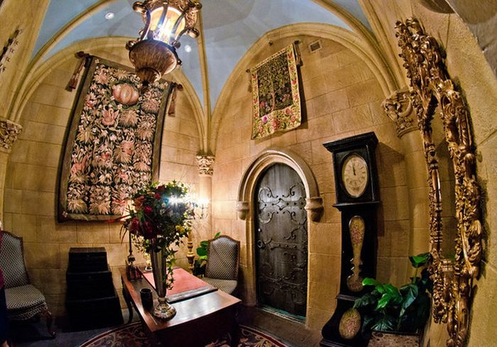 Inside Disney's Castle (21 pics)