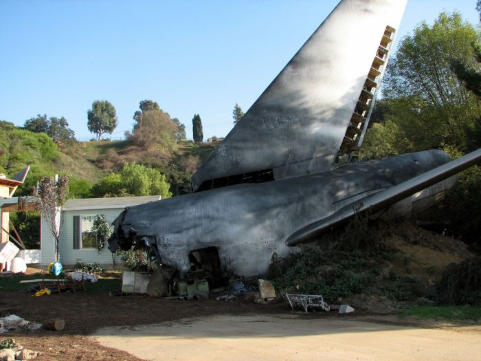 Boeing 747 from the War of the Worlds (13 pics)