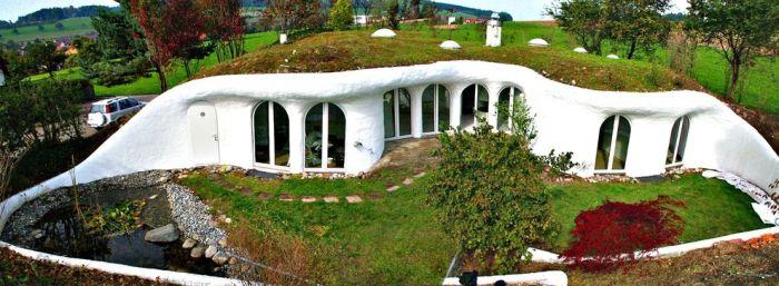 Impressive Underground Homes (31 pics)