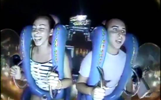 Funny Reaction on a Scary Attraction