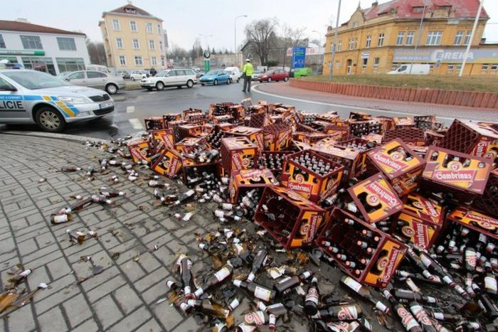 Terrible Road Accident in Czech Republic (12 pics)
