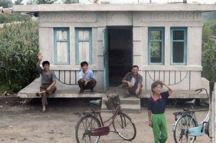 North Korean Homes (15 pics)