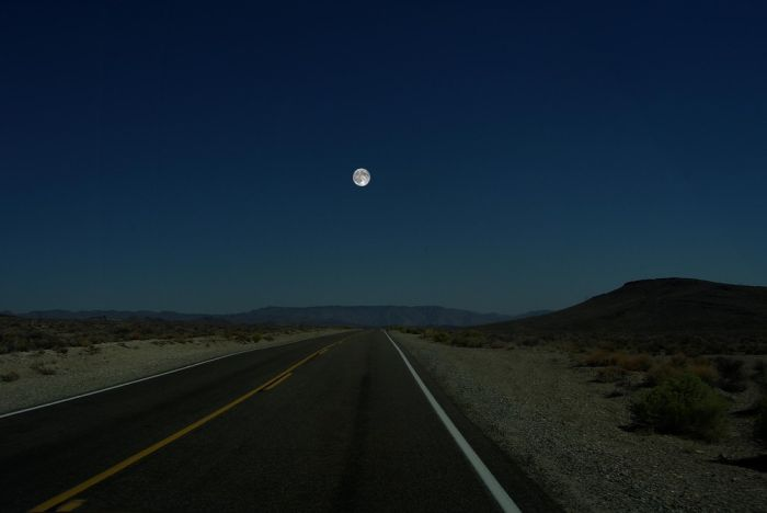 Other Planets in the Place of the Moon (7 pics)