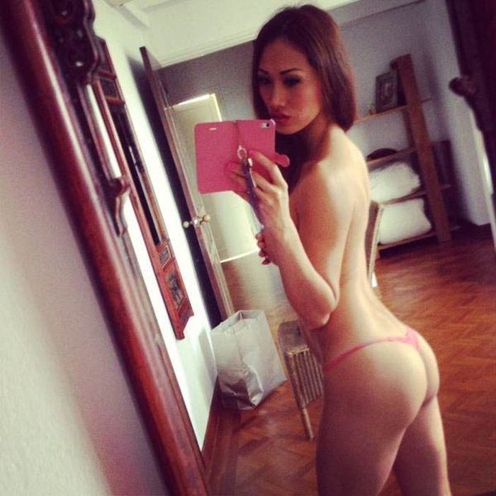 Playboy Mirror Girls (48 pics)