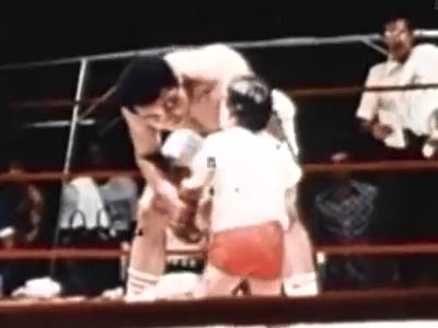 Muhammad Ali Boxing vs Little Kid