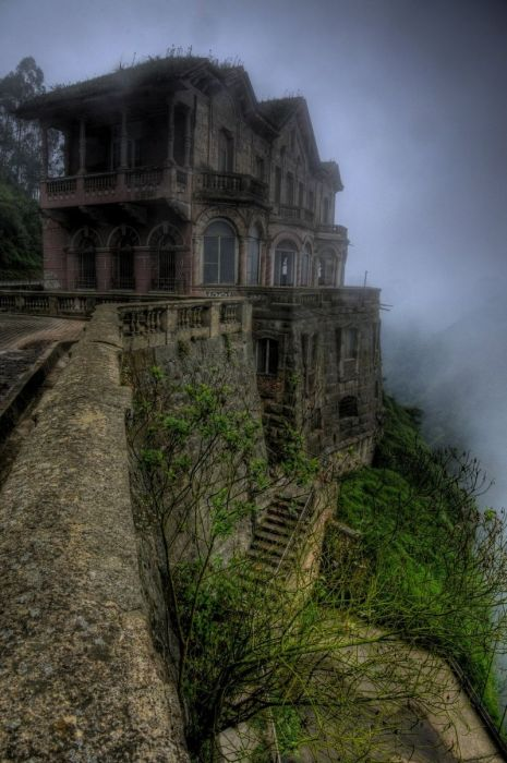 The Most Beautiful Abandoned Hotel (33 pics)