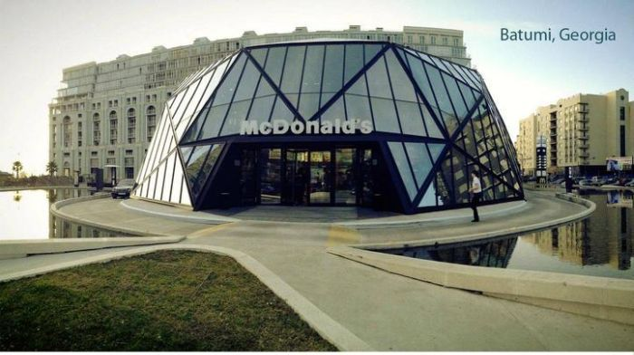 McDonald's in Batumi, Georgia (8 pics)