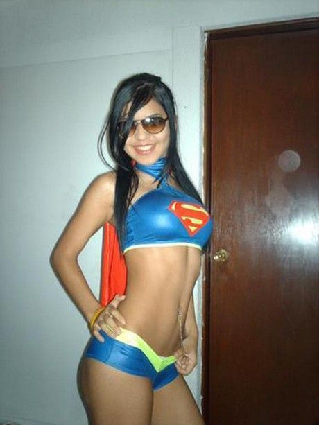 Pretty Supergirls (26 pics)