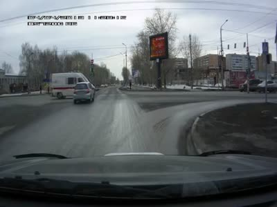 Stupid Driver Crashes Into Ambulance