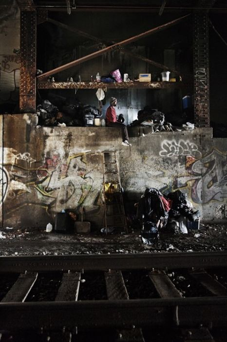 The Urban Cave (52 pics)