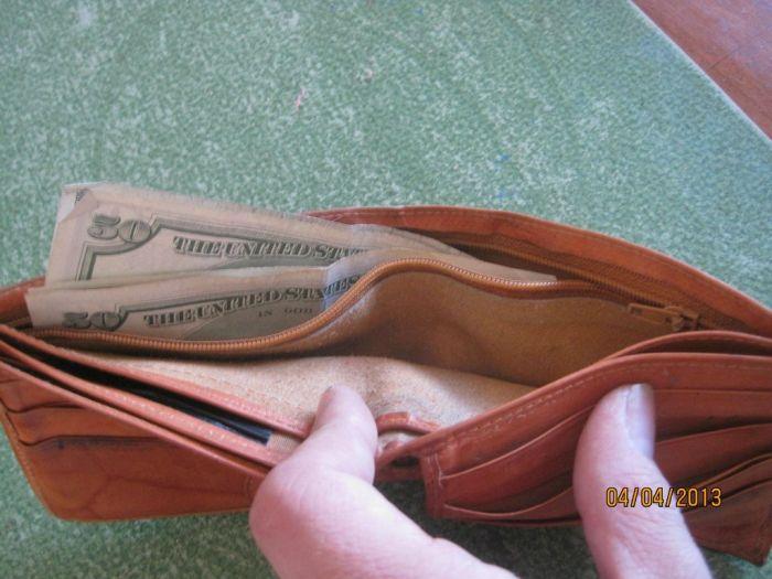 The Twenty Five Cent Thrift Store Wallet (4 pics)
