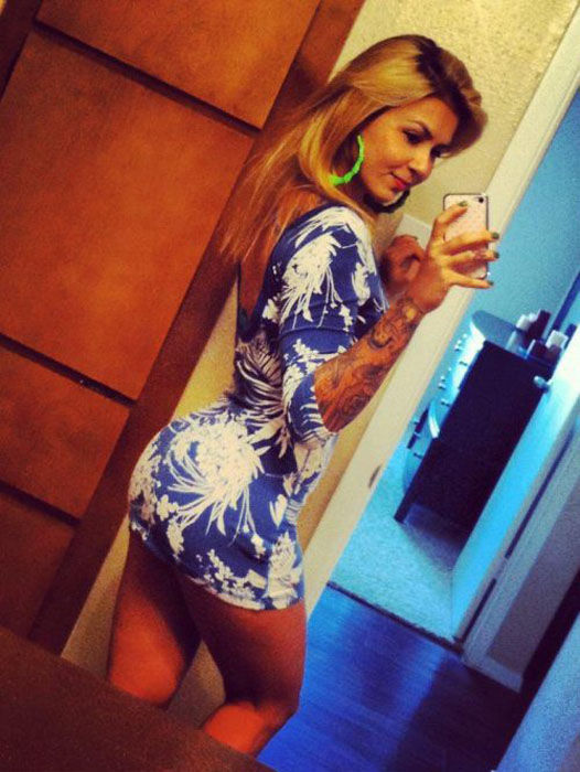 Pretty Girls in Tight Dresses. Part 8 (53 pics)