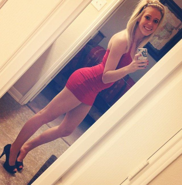 Pretty Girls in Tight Dresses. Part 8 (53 pics)