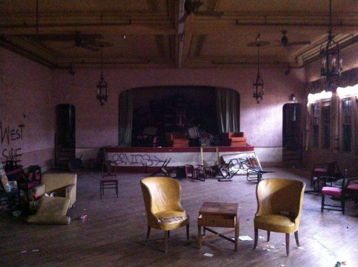 Abandoned Adler Hotel (41 pics)