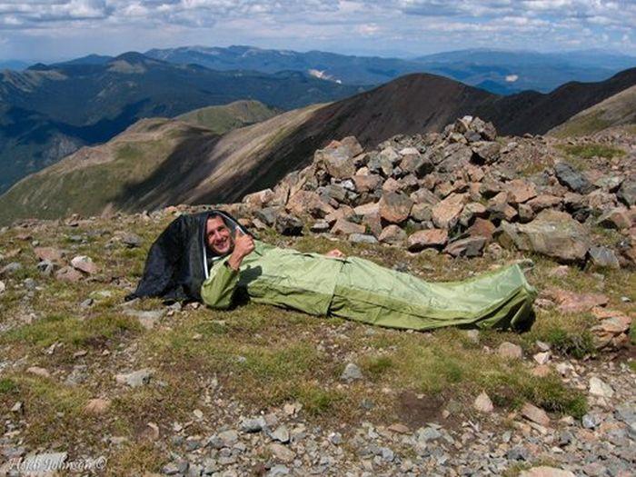 Convertible Jacket/Tent/Sleeping Bag (6 pics + video)