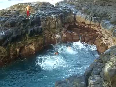 Dangerous Way to Swim in The Sea