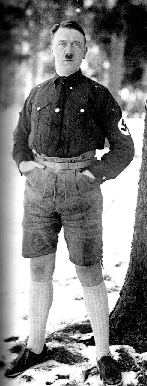Hitler in Shorts (5 pics)