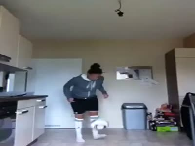 Amazing Soccer Girls Skills