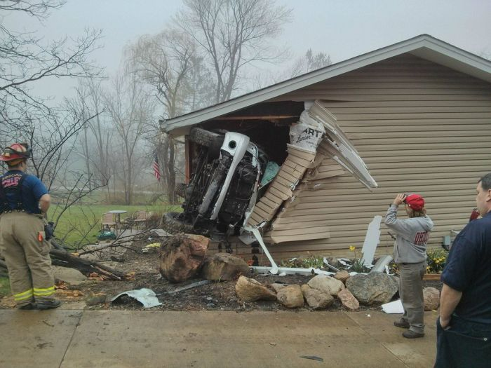 Car vs House (4 pics)