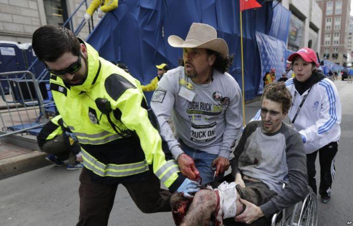 Boston Marathon Bombing (21 pics + 4 videos)