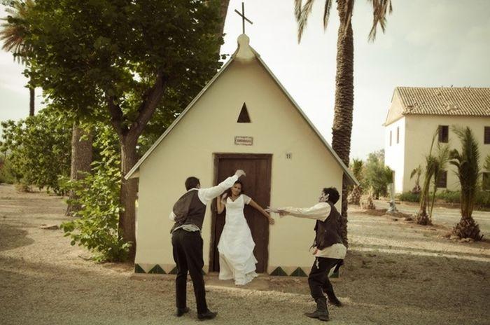 Zombie Wedding (18 pics)