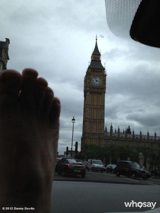 Danny DeVito's Troll Foot (34 pics)