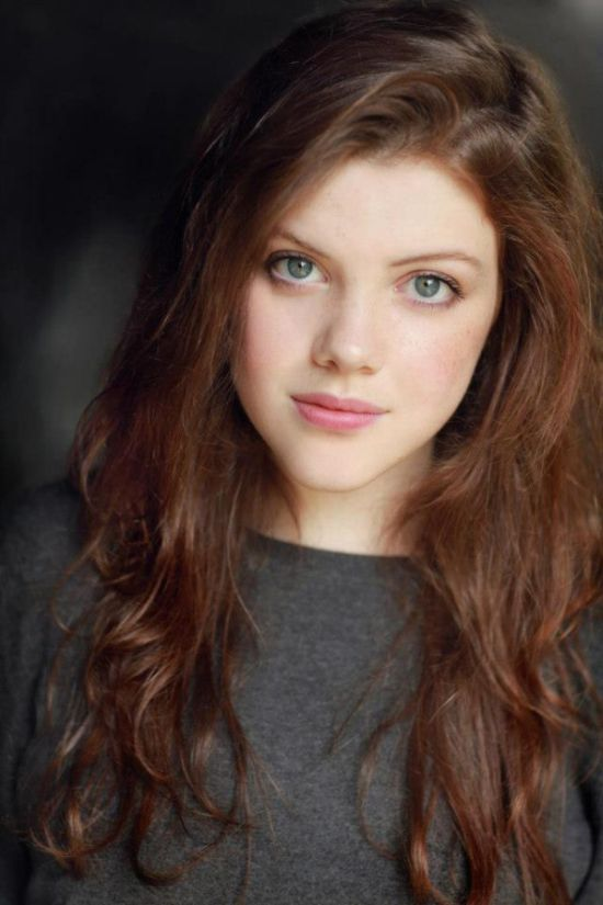 Georgie Henley Then and Now (4 pics)