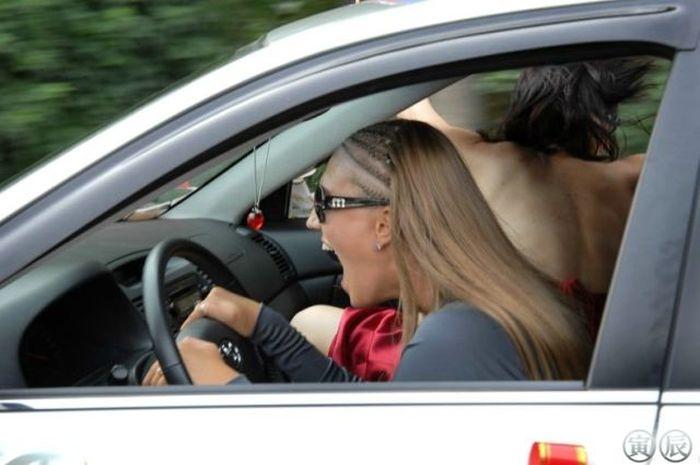 Female Drivers (52 pics)