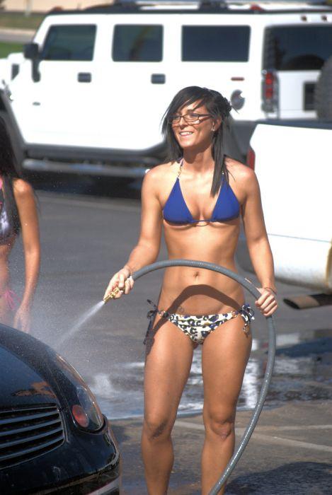 Bikini Carwash (98 pics)