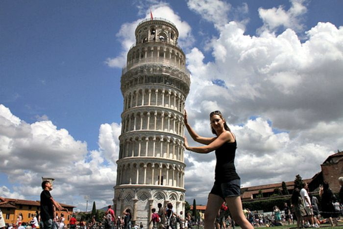 Photos Tourists Must Stop Taking (17 pics)