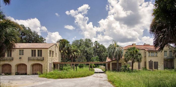 Bin Laden's Mansion in Florida (12 pics)